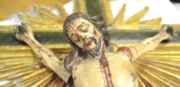 Crucifixo do século 18 furtado em 1994 de igreja de Ouro Branco (MG) foi recuperado pelo Ministério Público de Minas Gerais e entregue neste mês à arquidiocese da cidade histórica de Mariana (MG)