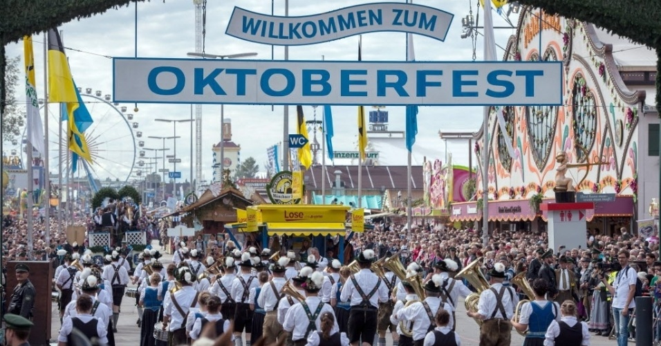 oktoberfest 2015 na alemanha fotos uol not cias. Black Bedroom Furniture Sets. Home Design Ideas