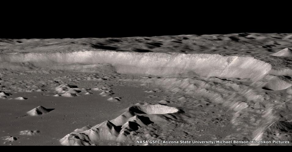 A nova mostra - Otherworlds (outros mundos, em inglês) - destaca o trabalho do americano Michael Benson, que usa arte e ciência para criar composições digitais a partir de dados enviados para a Terra pela Nasa e pela Estação Espacial Internacional