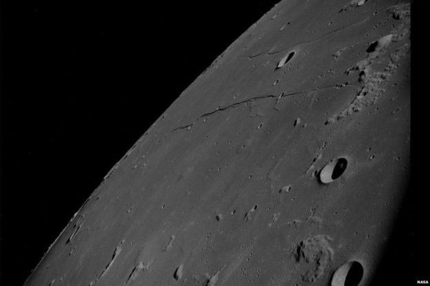 Uma imagem mais próxima da superfície da Lua