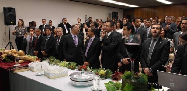 Culto com a presença de deputados da Frente Parlamentar Evangélica