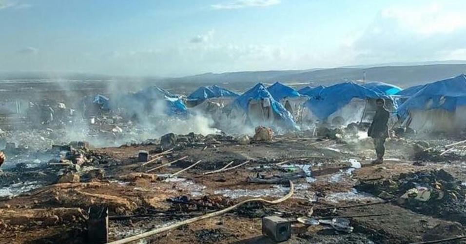 Bombardeio em campo de refugiados