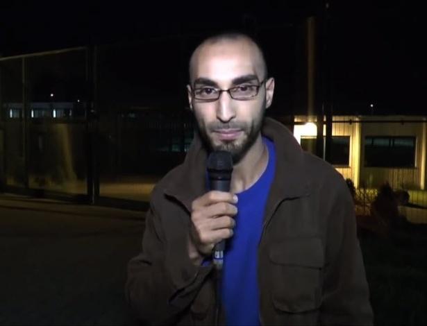 Imagem de um vídeo retirado do YouTube mostra o terceiro suspeito de ataque ao aeroporto de Bruxelas, Faycal Cheffou, que se declara jornalista independente