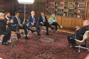 """Michel Temer é entrevistado no Palácio da Alvorada por jornalistas para o """"Roda Viva"""""""