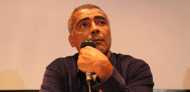 O senador Romário Faria (PSB) quando anunciou que disputaria a Prefeitura do Rio