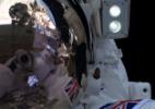 Astronauta britânico tira selfie em sua primeira caminhada espacial - Reprodução/Twitter/astro_timpeake