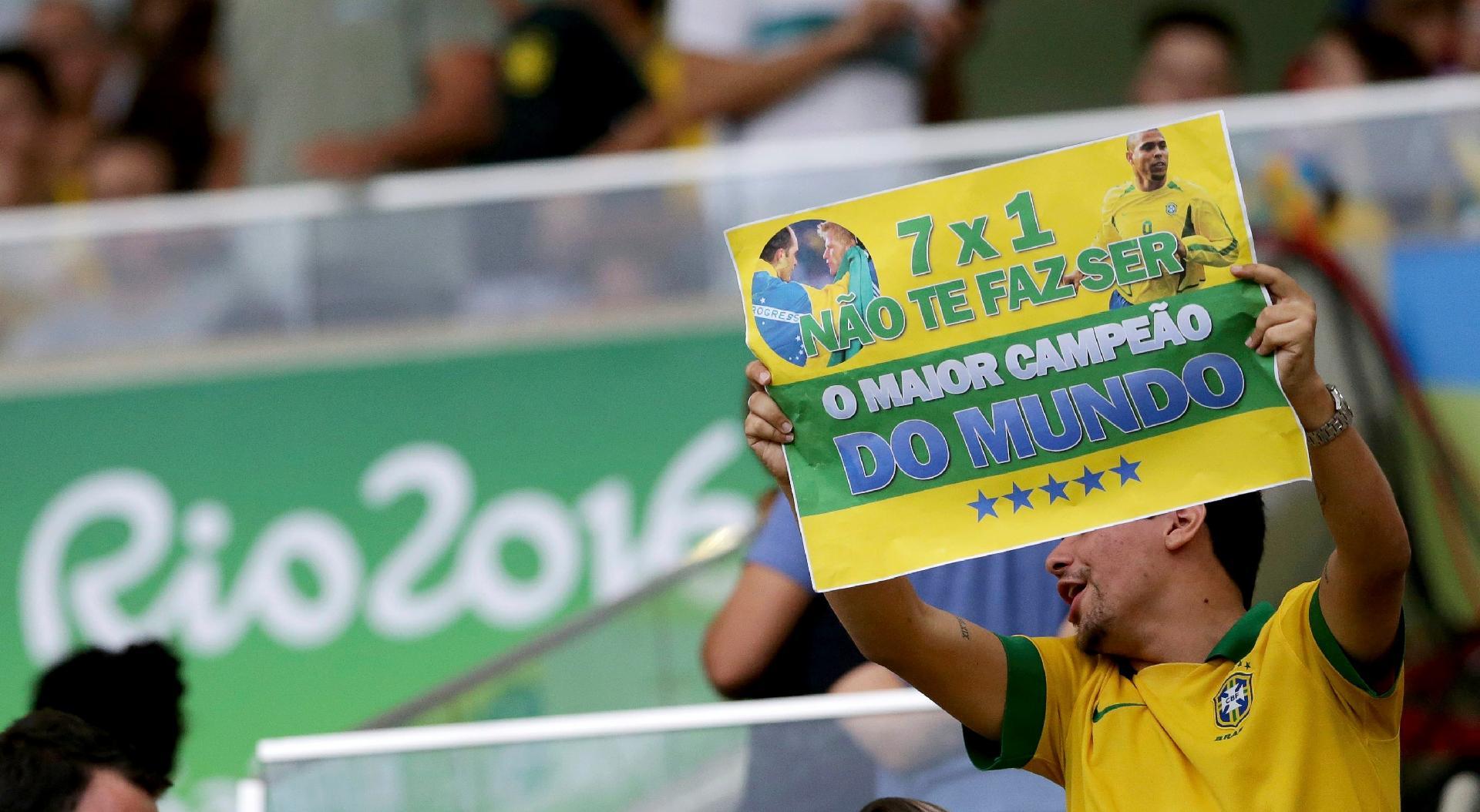 Torcedor brasileiro tira sarro dos alemães apesar de 7 a 1 sofrido na semifinal da Copa do Mundo de 2014