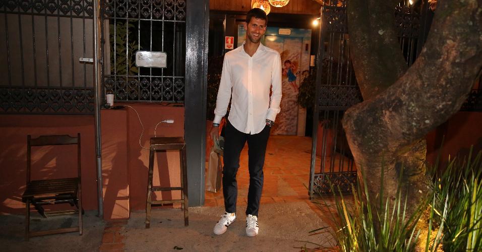 Novak Djokovic janta em restaurante da zona sul do Rio. O tenista sérvio já está eliminado da Rio-2016