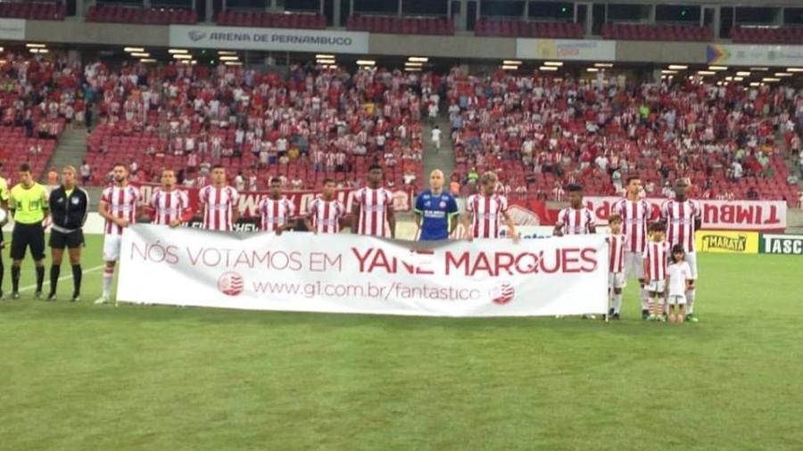http://imguol.com/c/olimpiadas/cb/2016/07/29/jogadores-do-nautico-manifestam-apoio-a-yane-marques-em-campanha-pela-vaga-de-porta-bandeira-do-brasil-na-cerimonia-de-abertura-da-rio-2016-1469845532414_v2_900x506.jpg