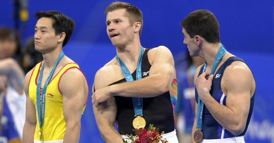 Alexei Nemov, dono de 12 medalhas olímpicas (na foto, ouro no individual geral em Sydney-2000)
