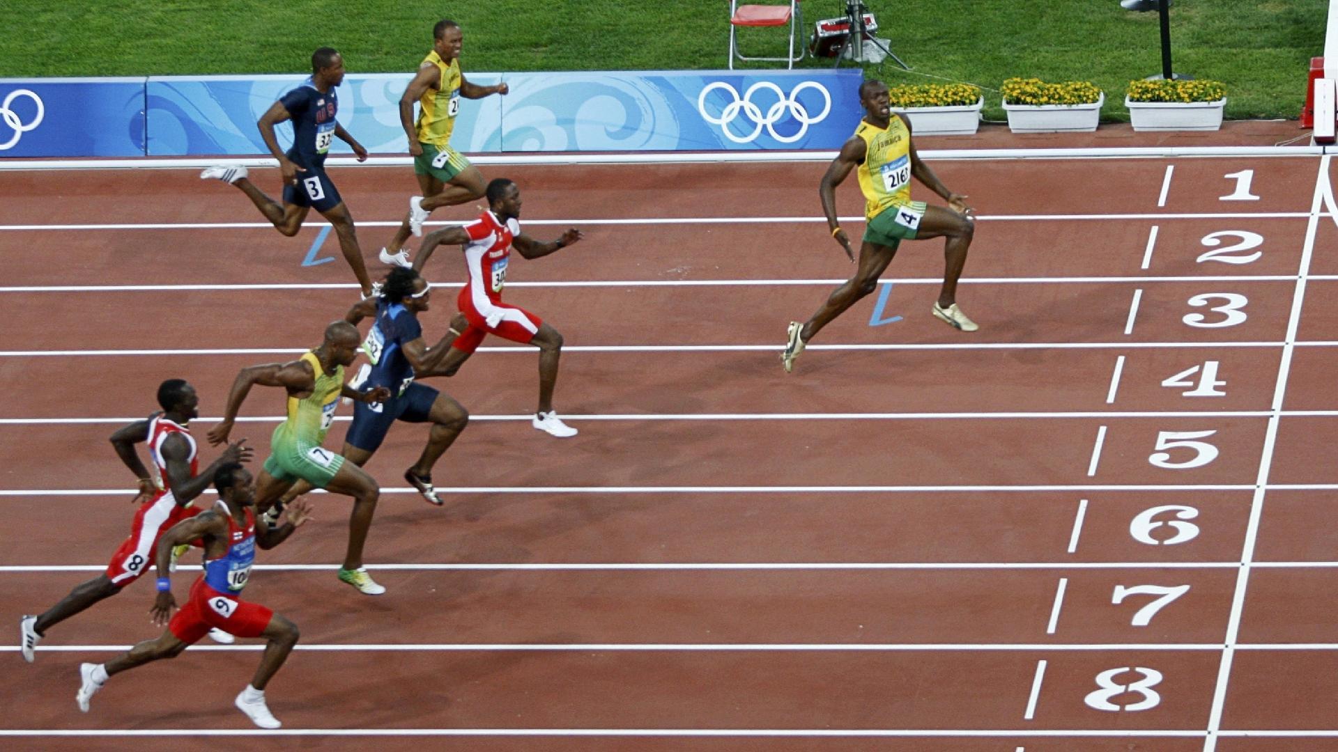 A chegada dos 100 m rasos de Pequim-2008, primeiro título olímpico de Bolt na prova