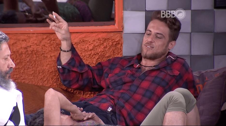 31.jan.2016 - Geralda questiona se Bial pode chamar atenção de Ana Paula e Daniel responde: