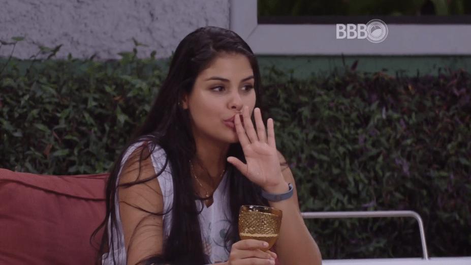 9.mar.2016 - Renan diz que Munik será chamada para participar dos shows de Wesley Safadão e Cacau concorda: