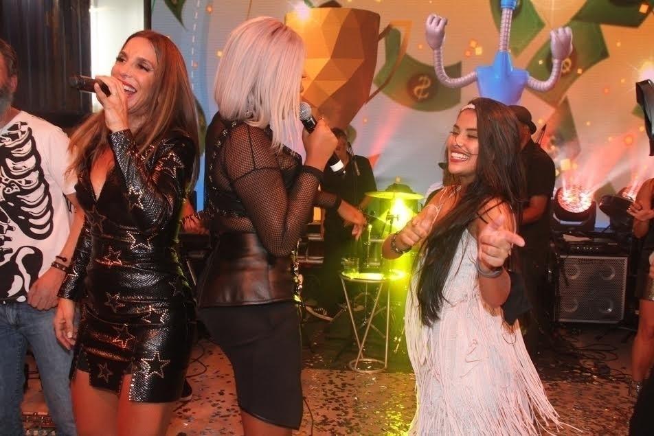 5.abr.2016 - Feliz com a vitória, Pequi dança com Ludmilla e Ivete Sangalo