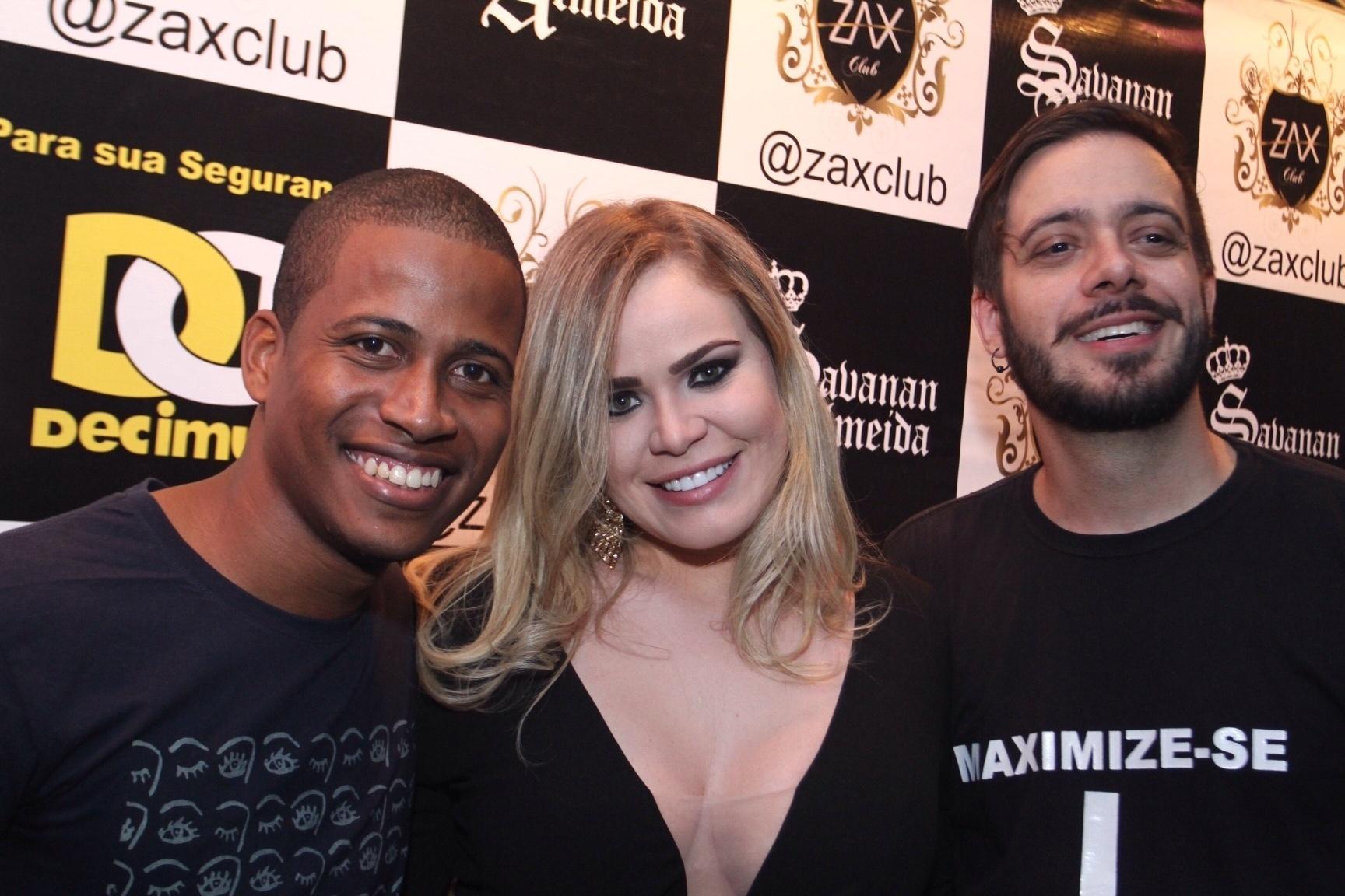 6.abr.2016 - Ex-brothers curtem festa no Rio