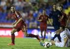 Cabeça no Barcelona? Técnico do Valencia dispara contra Alcácer