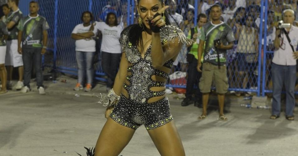 6.Jan.2013 - Ana Paula Evangelista, musa da Mocidade Independente de Padre Miguel, participa do ensaio técnico da escola no sambódromo do Rio