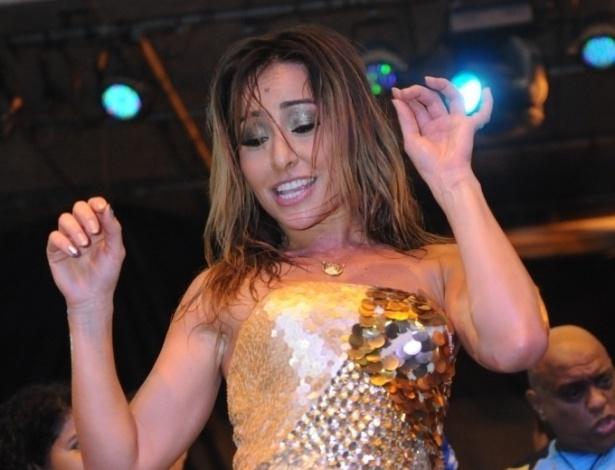 12.jan.2013 - Rainha de bateria da Vila Isabel, Sabrina Sato vai ao ensaio na quadra da escola, na zona norte do Rio