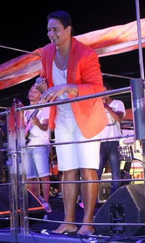 20.jan.2013 - Xanddy, do Harmonia do Samba, se apresenta no Pré-Caju, umas das festas que abrem o Carnaval do nordeste e que acontece em Aracaju desde 1992