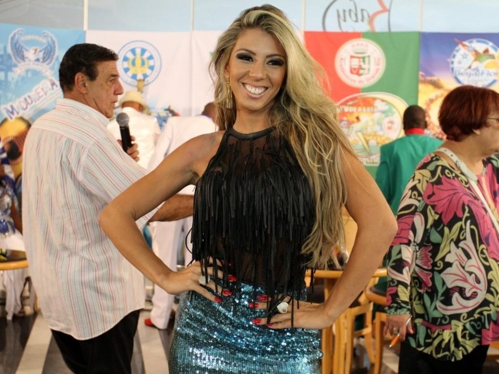 22.jan.2013 - Andrea Andrade, rainha da Mocidade, participa da gravação do