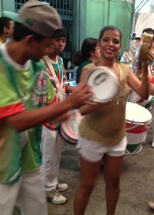 Rosemeire Rocha, Rainha de Bateria da X-9 Paulistana, durante apresentação da escola na festa de 80 anos do Mercado Municipal de São Paulo (24/1/2013)
