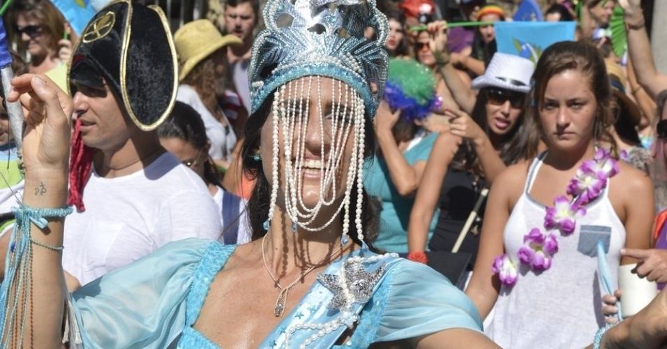 3.fev.2013 - Cynthia Howlett é rainha de bateria do Bloco Suvaco do Cristo, que sai há 28 anos no bairro do Jardim Botânico