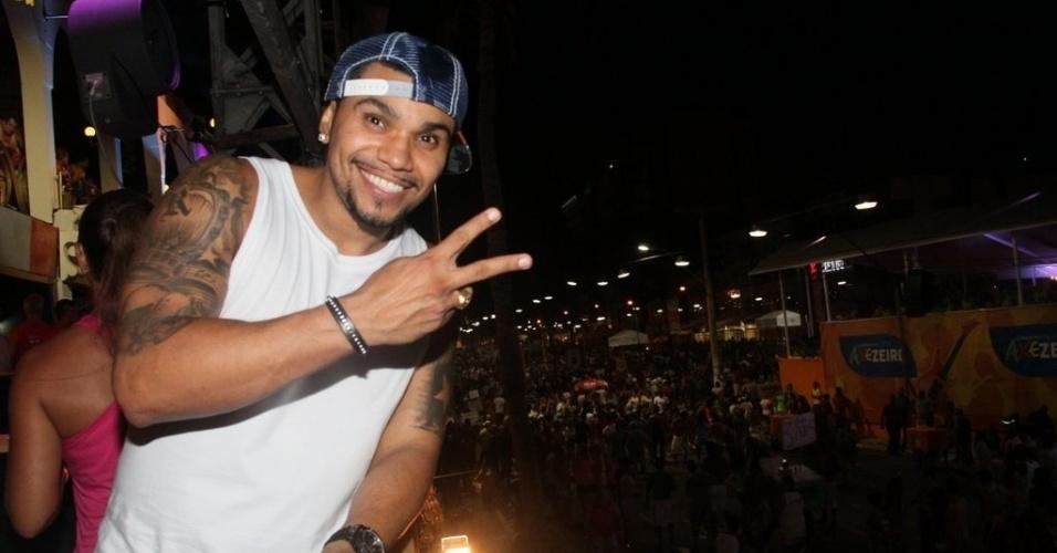 7.fev.2013 - O Cantor Naldo curte o Carnaval de Salvador