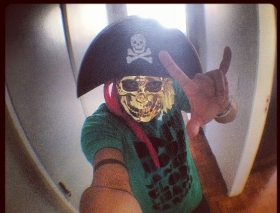 """8.jan.2013 - O participante do BBB Yuri, que postou foto no Instagram ao lado da mensagem """"Pronto para carnaval de rua em Recife ... Kkkk."""