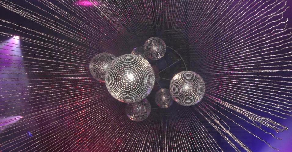 8.fev.2013 - O camarote Expresso 2222, comandado por Gilberto Gil, completa 15 anos de Carnaval. No detalhe, decoração do espaço em Salvador