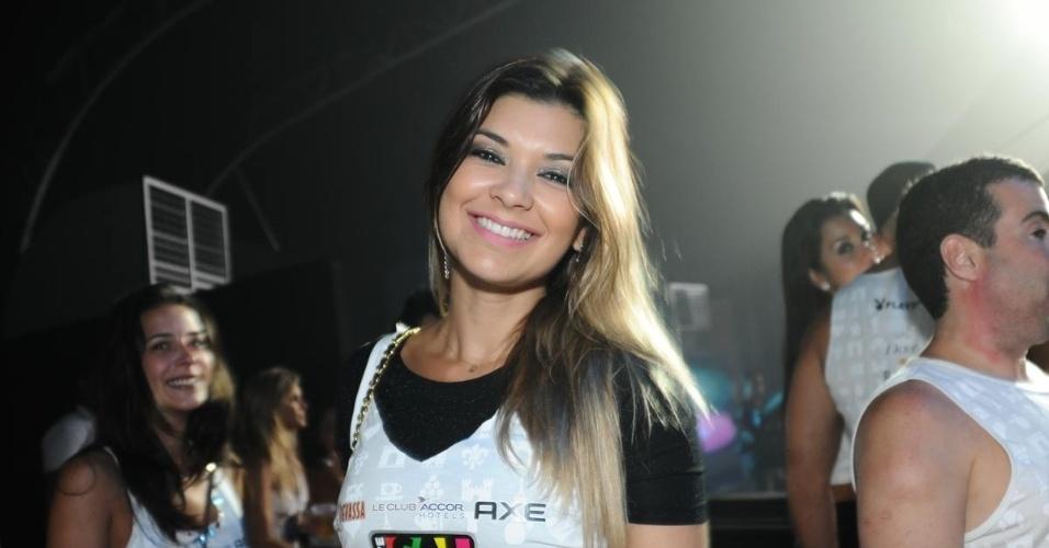 9.fev,2013 -  A apresentadora Amanda Françoso curte show de música eletrônica no Camarote Salvador