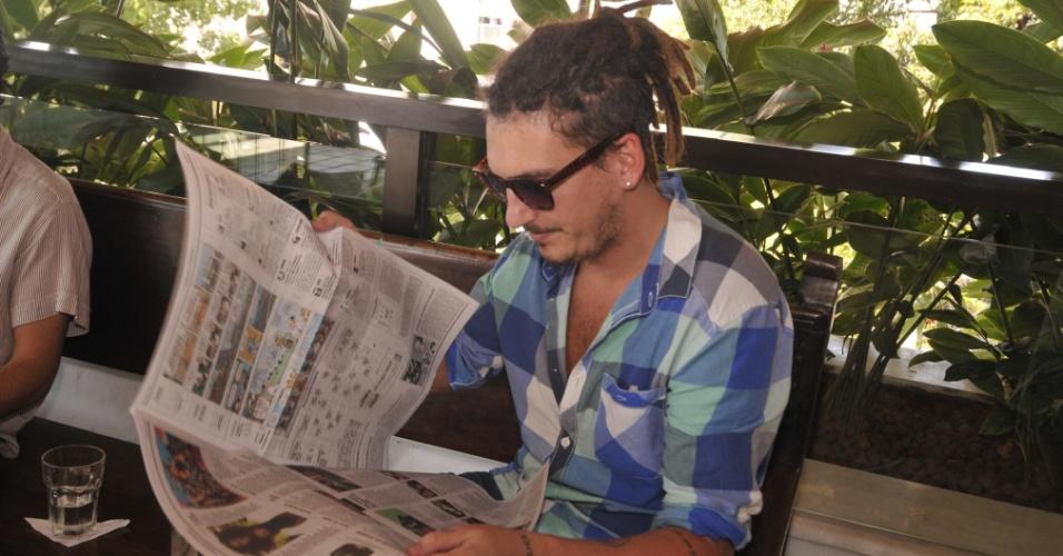 9.fev.2013 - Caio Soh em almoço na casa de Gilberto Gil, em Salvador