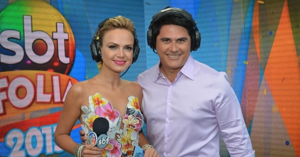 9.fev.2013 - Os apresentadores Eliana e César Filho, da SBT, comandam o Carnaval da emissora na folia em Salvador