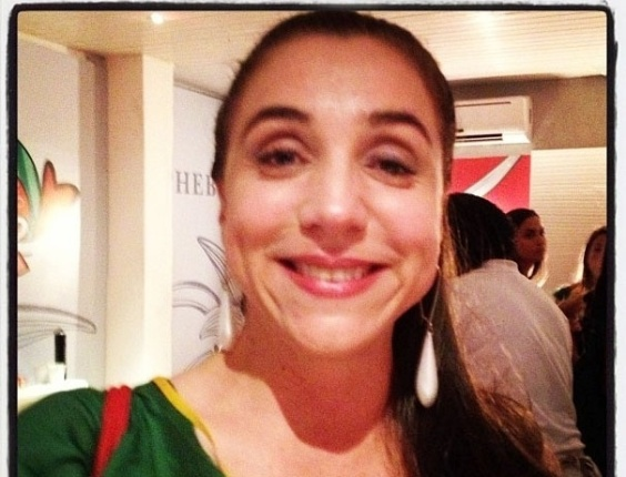 """10.fev.2013 - Flora Gil postou foto da atriz Marisa Orth visitando seu camarote no Carnaval de Salvador, juntamente com a legenda """"Visita fofa agora no #expresso2222"""""""