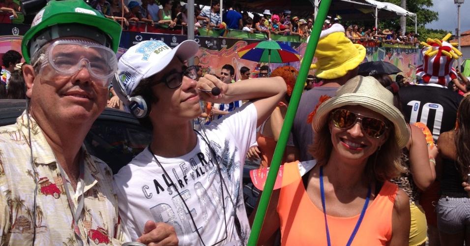 10.fev.2013 - Foliões do bloco Enquanto Isso na Sala da Justiça se vestem de Google Street View no Carnaval de Olinda