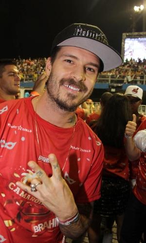 10.fev.2013 - Recém-separado de Dani Bolina, Mateus Verdelho vai ao Camarote Brahma, no Sambódrimo do Anhembi, em São Paulo