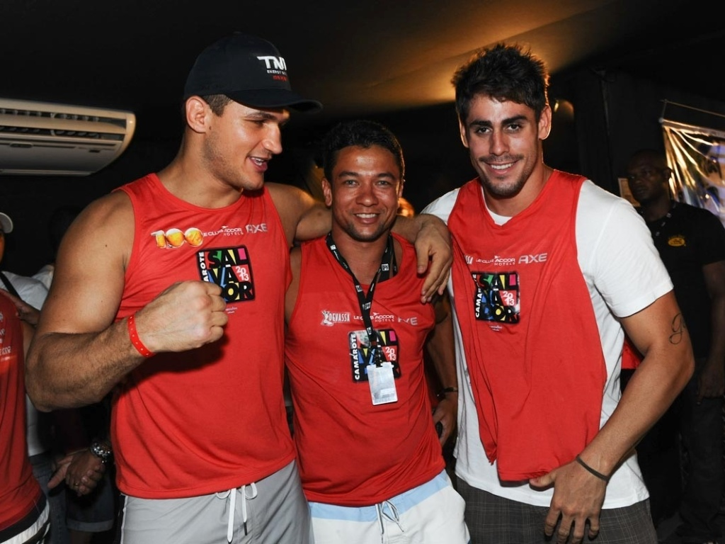 9.fev.2013 - Junior Cigano, Luiz Mendes e Antonio Carlos Jr no Camarote Salvador