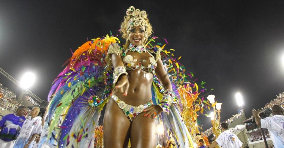 11.fev.2013 - A ex-BBB Jaqueline Farias foi uma das musas do desfile da Beija-Flor, terceira escola a se apresentar nesta segunda