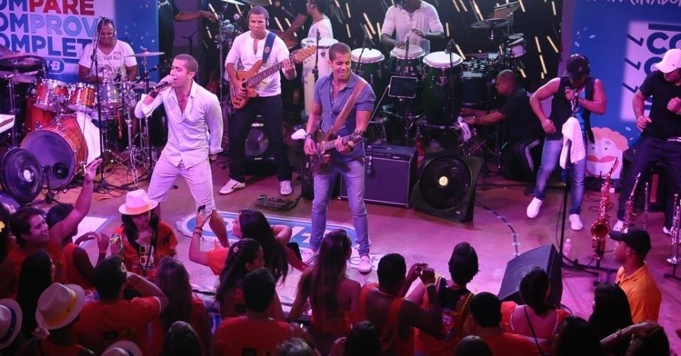 11.fev.2013 - Banda 8794 se apresenta em Camarote Contigo, em Salvador
