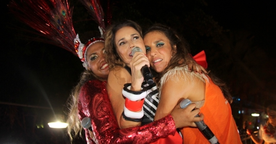 12.fev.2013 - Show da cantora Daniela Mercury no Barra-Ondina teve participaes especiais da cantora Gaby Amarantos e Ivete Sangalo