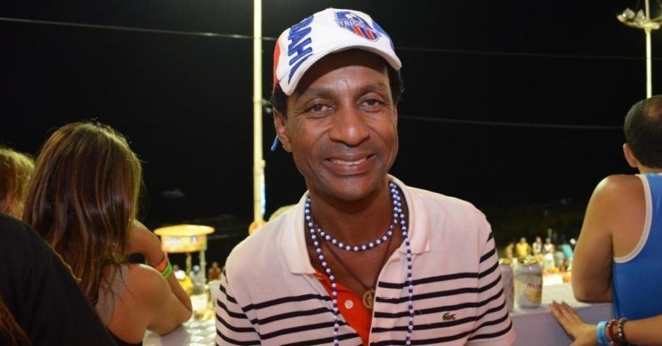 12.fev.2013: O ator baiano Luis Miranda, que mora no Rio de Janeiro, aproveita o Carnaval em sua terrinha