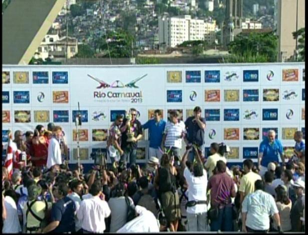 13.fev.2013 - A escola de samba Unidos de Vila Isabel foi eleita a campeã do Grupo Especial do Carnaval do Rio de Janeiro em 2013