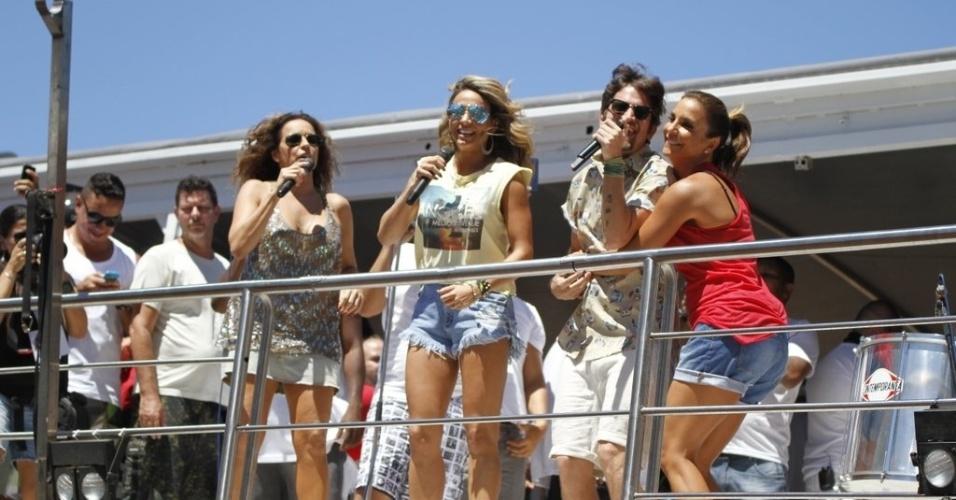 13.fev.2013 - Daniela Mercury, Alinne Rosa e Saulo Fernandes cantam a música