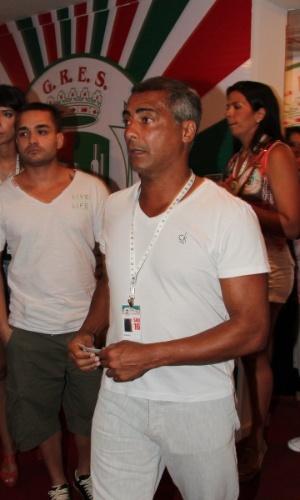 16.fev.2013 - Romário em camarote durante o desfile das campeãs do Carnaval Carioca