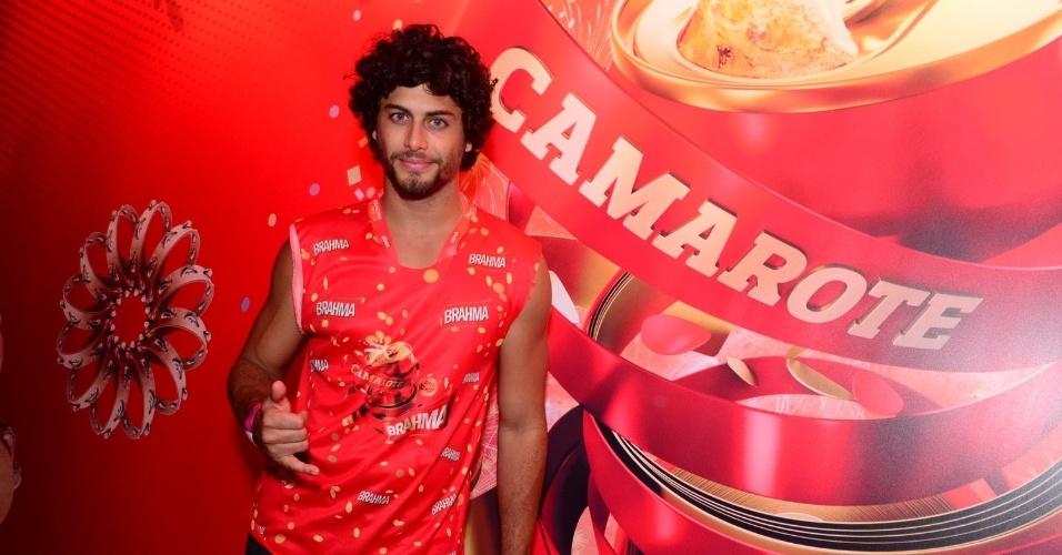 16.fev.2013 - Jesus Luz em camarote durante o desfile das campeãs do Carnaval Carioca