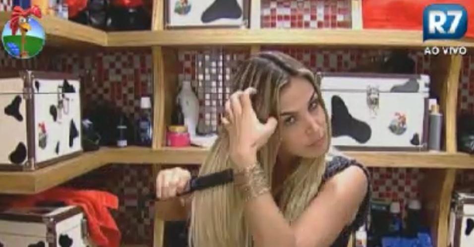Robertha Portella faz chapinha em frente ao espelho (2/6/12)