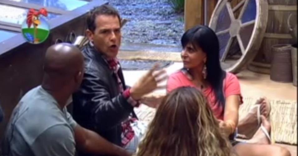 Gretchen, Lui Mendes, Viviane Araújo e Sylvinho Blau Blau formaram primeira