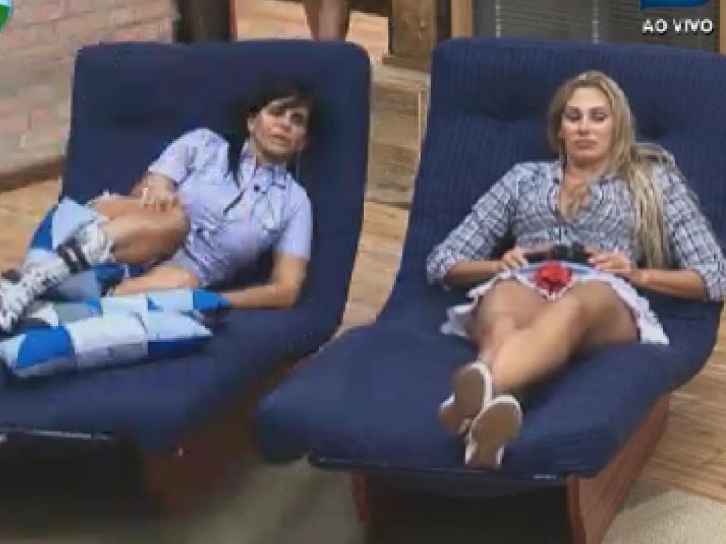 Gretchen fala mal de Gustavo Salyer para Ângela Bismarchi (13/6/12)