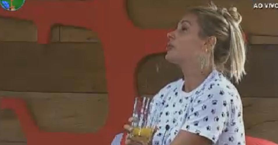 Ângela Bismarchi conversa com Léo Àquilla sobre morte da irmã (16/6/12)
