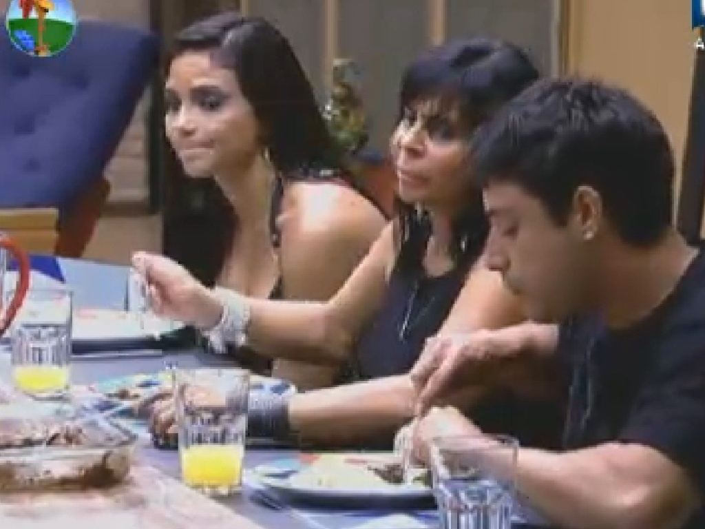 Shayene Cesrio, Gretchen e Vav jantam (25/6/12)