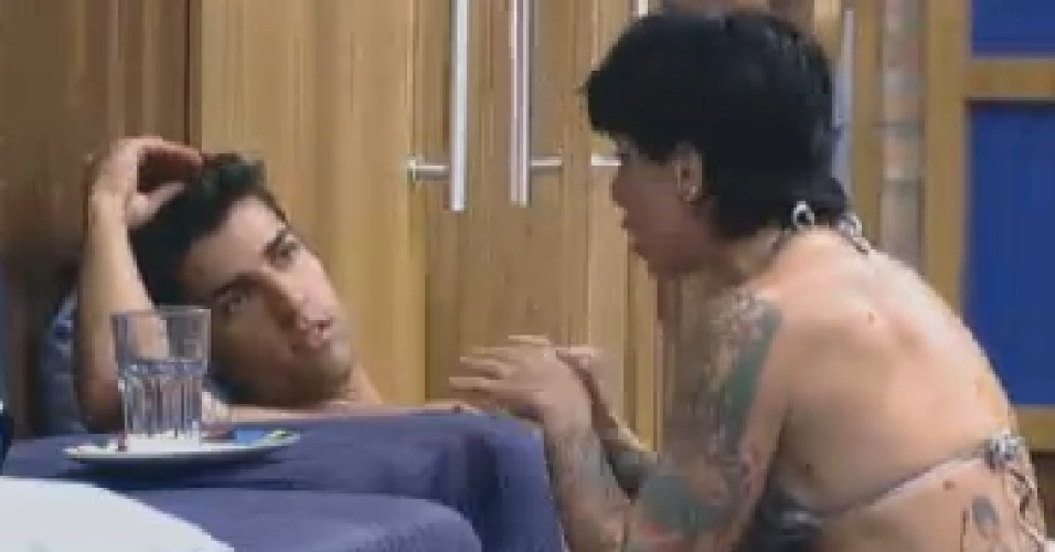Penlope Nova desabafa com Diego Pombo sobre brigas com Gretchen (30/6/12)